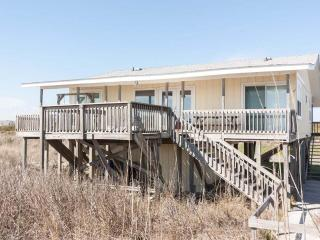 Bright 4 bedroom Vacation Rental in Caswell Beach - Caswell Beach vacation rentals