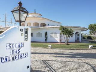 Solar das Palmeiras - Olhos de Agua vacation rentals