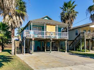 Rock's Resort: Stay Mon and Tues get Wednesday FREE! - Port Aransas vacation rentals