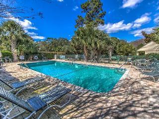 671 Queen's Grant, Walk to Beach, Free Tennis, Free Bikes, Pet Friendly - Hilton Head vacation rentals