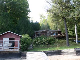 Lovely Cottage in Minden with Deck, sleeps 6 - Minden vacation rentals