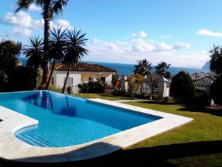 5 bed villa, pool & Jacuzzi, near beach, sea view - Alcaidesa vacation rentals