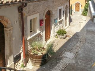 Charming flat in a medieval village - Roccacasale vacation rentals