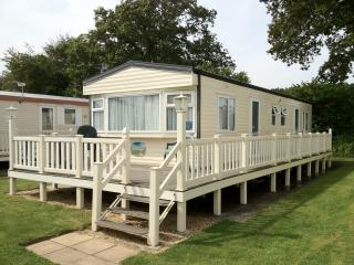 Cosalt Baysdale 3 x bedroomed Family Holiday Home - New Milton vacation rentals