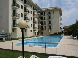 Romantic House with Children's Pool and Parking - Jesolo Lido vacation rentals