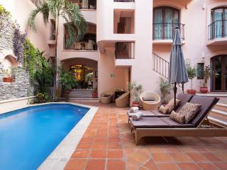 Acanto Condo Hotel & Vacation Rentals - Playa del Carmen vacation rentals