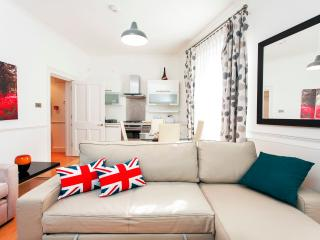 Covent Garden Musical Atmosphere - London vacation rentals
