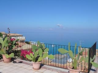 Fantastic sea view apartment with 2 large terraces - Tropea vacation rentals