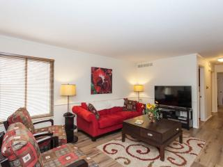 Beautiful Townhouse with Internet Access and A/C - Denver vacation rentals