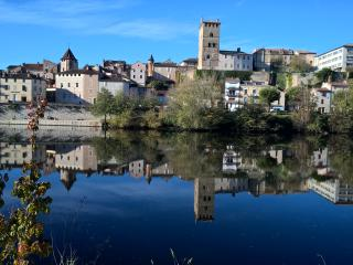 bed & breakfast  Lot Valley near Cahors 600 km south  Paris close  exit 57 A20 - Cahors vacation rentals