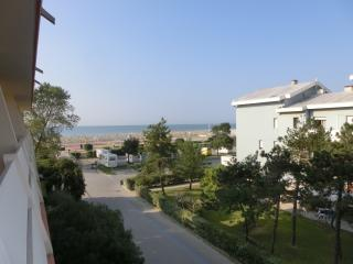 Cozy 2 bedroom Condo in Bibione Pineda with Television - Bibione Pineda vacation rentals