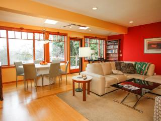 Sunlit apartment - Seattle vacation rentals