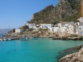 """Isola di Levanzo""..... sole... mare...relax!! - Levanzo vacation rentals"