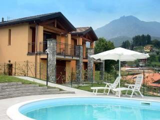 Residence Oleandro Balcony 5 lake view & pool - Menaggio vacation rentals