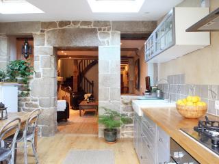 Town House in quaint Breton Village - Guemene-sur-Scorff vacation rentals