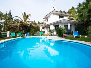 VILLA CORRIB, FUENGIROLA - Mijas vacation rentals