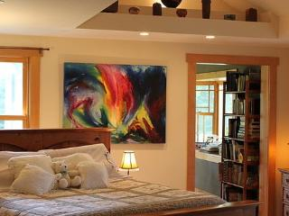 Cozy Bed and Breakfast with Internet Access and A/C - Orchard Park vacation rentals