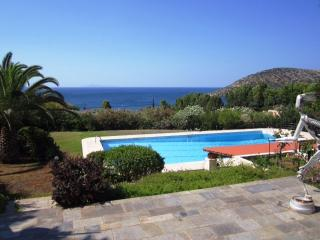 Alluring villa with pool - very close to the beach - Anavyssos vacation rentals