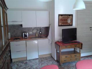 Romantic 1 bedroom Casalecchio di Reno Condo with Internet Access - Casalecchio di Reno vacation rentals