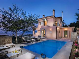 4 bedroom Villa with Internet Access in Sfinari - Sfinari vacation rentals