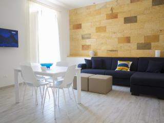 Sant'Antonino Home Holidays- Porta Nuova Apartment - Marsala vacation rentals