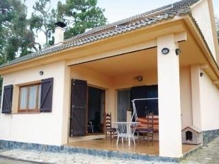 Bright 4 bedroom House in Riudarenes with Short Breaks Allowed - Riudarenes vacation rentals