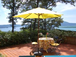 Villa la Paiola - Suite ROSA with lake view for romantic couple - Caprarola vacation rentals