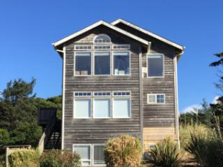 The Argo~Great Ocean Views, HotTub, King in Master - Lincoln City vacation rentals