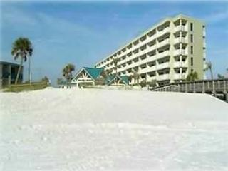 2BD/2 BA -On the Beach - Free WiFi All-Inclusive - Fort Walton Beach vacation rentals