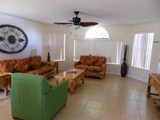 Florida Vacation Villas Club: 2 Bedrooms / 2 Baths - Kissimmee vacation rentals