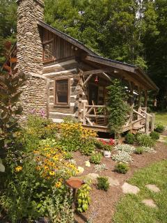 Little Creek - Antique Log Cabin-Near Boone - Fleetwood vacation rentals