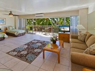 Beachfront Luxury Condo at the Waikiki Shore - Honolulu vacation rentals
