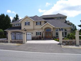 Spacious Chateau Valentina For A Large Group - Bothell vacation rentals