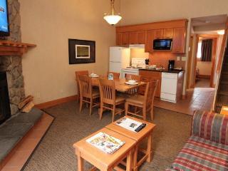 Banff Hidden Ridge Resort 1 Bedroom + Loft Condo (3 Queens) - Banff vacation rentals
