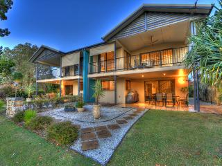 Perfect 3 bedroom Iluka House with Internet Access - Iluka vacation rentals