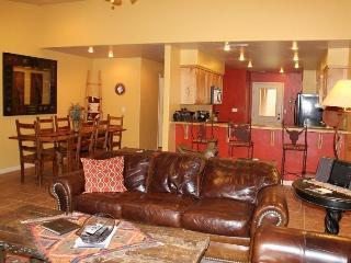 DESERT WILLOW - POOL/HOT TUB/AIR HOCKEY/FOOSBALL!! - Moab vacation rentals