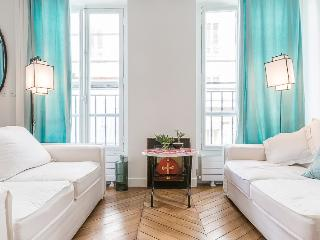 Bright Condo with Internet Access and Dishwasher - 7th Arrondissement Palais-Bourbon vacation rentals