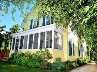 6 bedroom House with Dishwasher in South Haven - South Haven vacation rentals