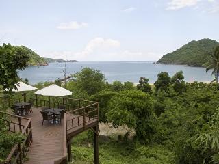 Bright Condo in Nasugbu with Internet Access, sleeps 6 - Nasugbu vacation rentals