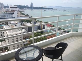 VT6 - Great Studio, amazing Seaview - Pattaya vacation rentals