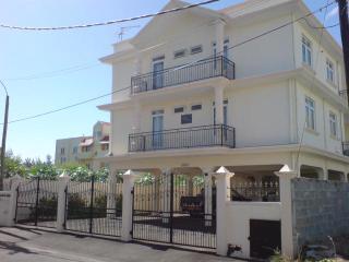 Appartement spacieux à 250 m de la mer - Flic En Flac vacation rentals