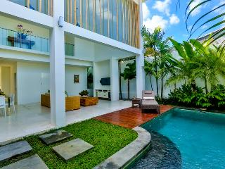 Central Seminyak Villa, 5 bedroom Modern Tropical style with 2 pools - Seminyak vacation rentals