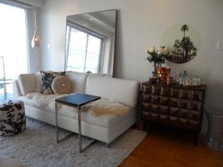Tastefully renovated / Views - McMahons Point vacation rentals