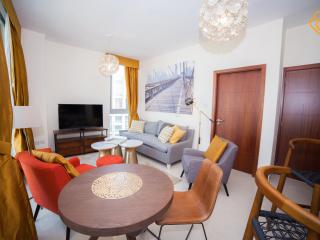 Designer 1 Bedroom Apartment in Downtown Dubai - Dubai vacation rentals