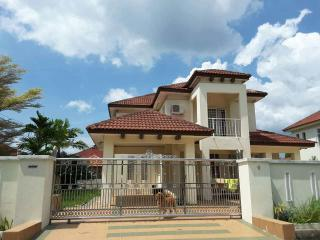 5 bedroom Villa with Ceiling Fans in Sepang - Sepang vacation rentals