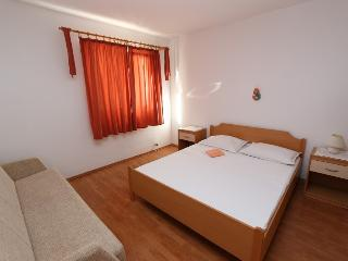 Apartment for 6+2 near Zrće!(A2) - Novalja vacation rentals
