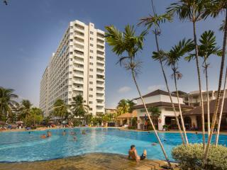 Style Studio Apt-FREE Electric/WiFi/Cable TV - Jomtien Beach vacation rentals