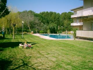 Bright 2 bedroom Llafranc Condo with Shared Outdoor Pool - Llafranc vacation rentals