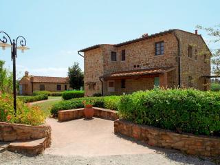 Quadrilocale a Montaione per 8 persone ID 335 - Montaione vacation rentals
