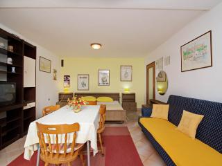 Apartment Irena - Pula vacation rentals
